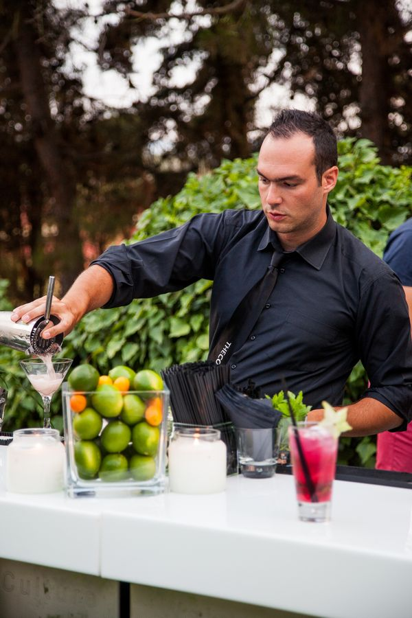 COCKTAIL BAR CATERING
